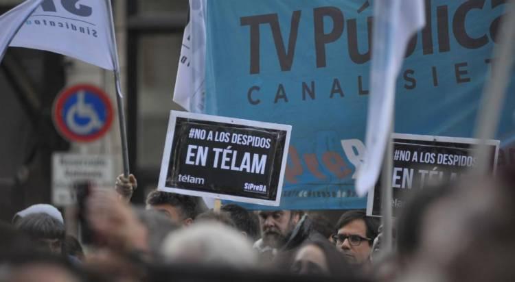 Tras la medida de la Justicia, se suspende el paro en Télam, pero el conflicto continúa