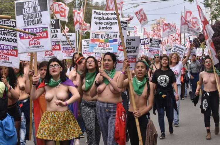 El Gobierno de Macri aportó 6 millones del Presupuesto Nacional, para llevar mujeres al encuentro de Trelew