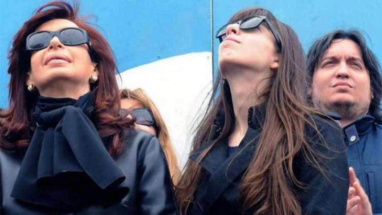 Procesaron a Cristina, Máximo y Florencia, por lavado de dinero en la causa Hotesur