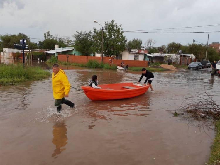 Denunciarán a di Napoli y la Municipalidad por las inundaciones del domingo pasado