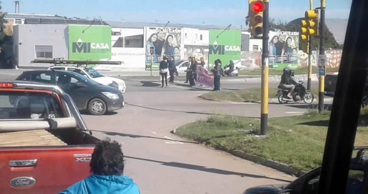 Piden por una vivienda y cortan nuevamente la avenida de Circunvalación