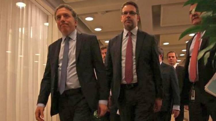La Justicia investiga a Dujovne y Sandleris por la disparada del dólar
